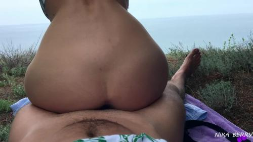 Found and Fucked a Bitch in Nature, Cumshot on Ass - NikaBerry [FullHD 1080P]
