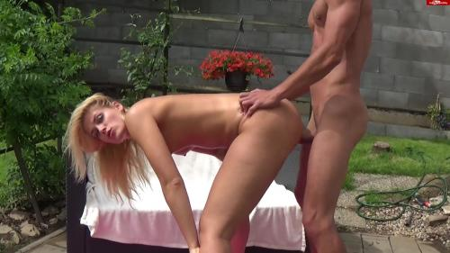Claudia-18 - Krass Der extreme Fick Zug [FullHD 1080P]