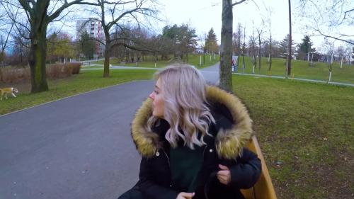 Cute Teen Swallows Cum for Cash - Public Blowjob in the Park by [FullHD 1080P]