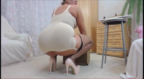 Bigbootymilf in [SD] bigbootymilf dildo and vintage outfit low qality file – BigHotBeauty – Amateur | Wet & Messy, Dildo Fucking – 342,3 MB 15.03.2019