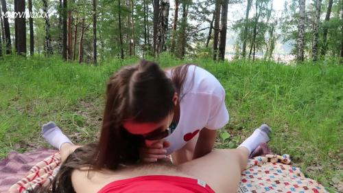 Public Blowjob & Hot Sex with Cute Teen in the Park [FullHD 1080P]