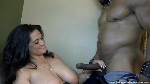 Kailani Kai gets her pussy slammed by her strippers BBC before he mistakenly fills her up with cum and squeezes the rest out on her pussy!!! [SD 480P]