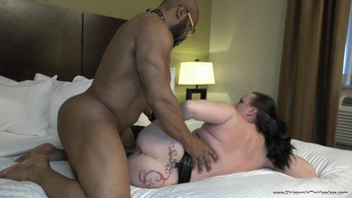SelenaSky also returns to be entertained and pounded by her BBC stripper and toss his salad before he fills up her freshly fucked pussy with a huge load!!! [SD 480P]