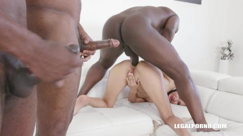 Megan Venturi enjoys black cocks IV323 [HD 720P]