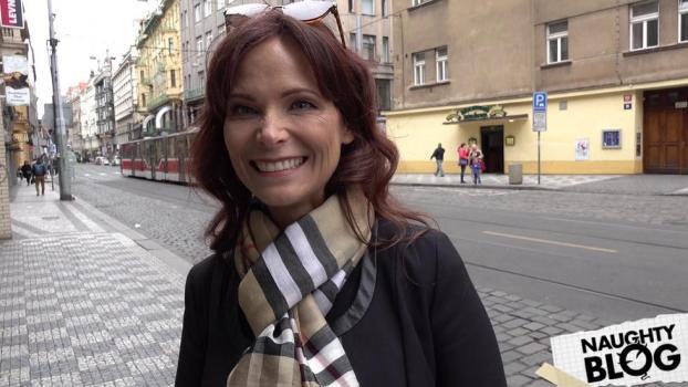 Czech Streets - American Super MILF