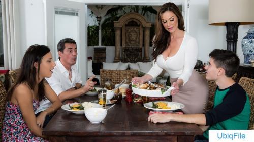 Kendra Lust – Kendra's Thanksgiving Stuffing (Brazzers.com)